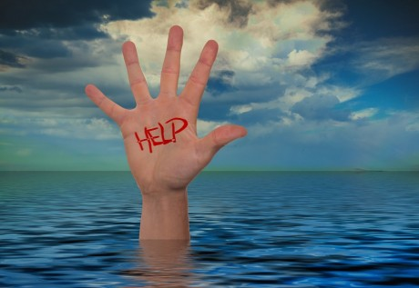 drowning-help-public-domain-460x317